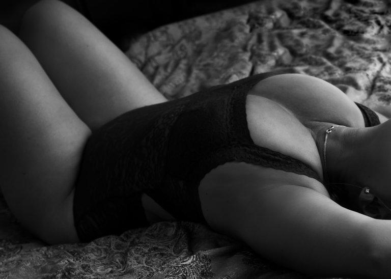 woman boudoir